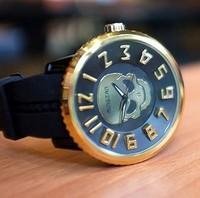 NEW fashion  Design  Men's Watch silicone Quartz Wrist Watch Big Dial gold  skull watches  casual men sport watches