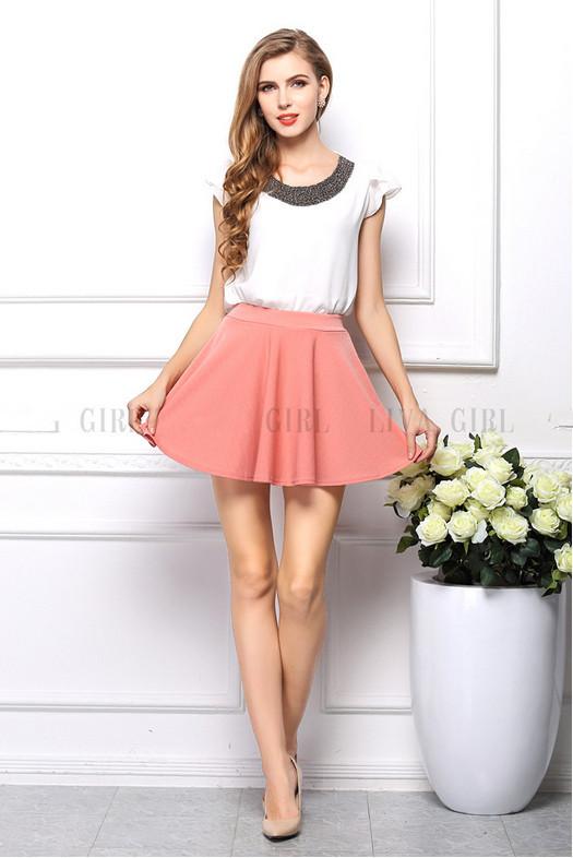 фото в розовой юбочке