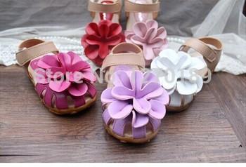 Бесплатная доставка 5 цветов и 12 размера 13.5 - 20 см 2014 лето искусственная кожа цветок дети сандалии кроссовки первый ходунки