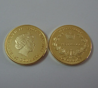 Free shipping 10pcs/lot  . 999 2014 $25 Sovereign australia Gold Replica,gold clad  Coin