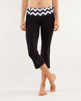 wholesale yoga studio crops ,yoga pants Gather & Crow Crop 2 color black/white and black/red sportwear women lulu store