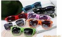 Free Shipping 2014 Fashion New Goggles Unisex Wayfarer New Style Joint Multi-coloured Summer Shade UV400 Sunglasses