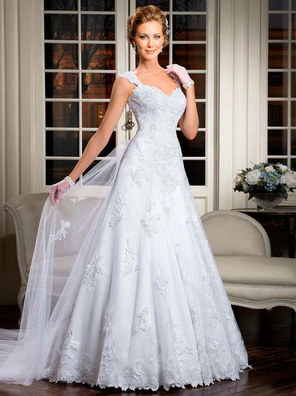 2014 vintage sexy tulle appliques una linea di abiti da sposa senza maniche treno cappella fidanzata lungo partito abiti da cerimonia plus size