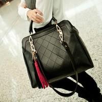Women's Leather Handbags 2014 Desigual Shoulder Bag Women Tassel Lingge Messenger Cross-body Bags Vintage Fashion Totes WB2051