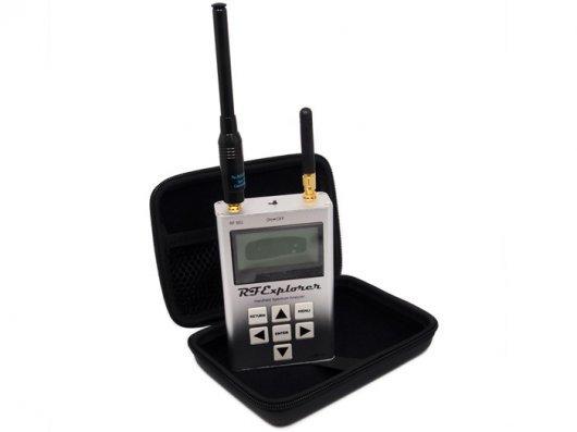 RF Explorer - 3G Combo 15-2700 MHz handheld digital spectrum analyzer Includes a transport EVA carry case Pocket size TES09102P(China (Mainland))