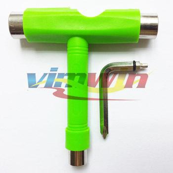 1 stück grüne farbe t-form skateboard-tool alle in-1 longboard Penny bordwerkzeug fit Penny Skateboard in skateboard