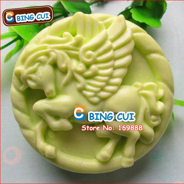 Cavalo com Asa forma de chocolate do molde dos doces Jello 3D Silicone Moldes Ferramentas bolo Bakeware Pastelaria Bar Soap Moldes Q133(China (Mainland))