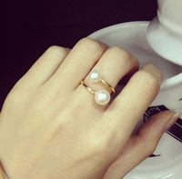 2014 Fashion Faux Pearl Gold Plated Perfume Womens Rings Celebrity Brand Design European Style Party Wedding Chic Lot Wholesale