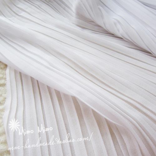 Textile fabrics White organ plait crumpled gauze chiffon fabric Pleated pure color full-skirted dress wholesale(China (Mainland))