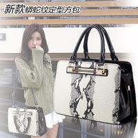 women handbag, ladies handbag European and American wild, high-quality PU leather python messenger bag wholesale, free shipping