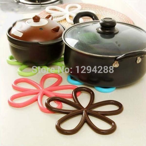 1 قطعة الملونة زهرة شكل كأس حصيرة pvc كوستر الشاي التنسيب ل طاولة المطبخ الأسر الجدة fz2068 vv(China (Mainland))