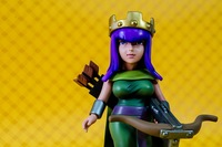 2014 COC Clash of Clans Archer Queen Figure Toy 16CM made of Resin Collector's Edition