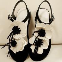 Hot-selling flower Soft leather women flip flops round toe open toe flat sandals fashion summer shoes