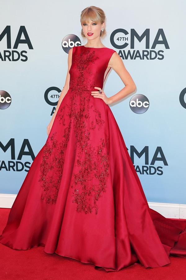 Taylor cma auszeichnungen teppich kleider roter stickerei ballkleid