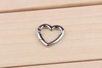 5 Pcs/ Lot Love shape Locking Mounting outdoor climbing Carabiner Snaphook Hook  keychain Holder key ring buckle
