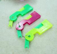 FREE Shipping Plastic automatic needle threader threaders, 100pcs/bag