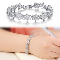 Aesthetic Elegant Silver Tone Jewelry Diamante Six-petal Flower Inlaid with CZ Diamond Charm Bracelet for Women Free Shipping