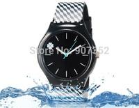 new watch Wristwatches Four Leaf Clover Design tartan design fashion watch women dress watches quartz watch + free shipping