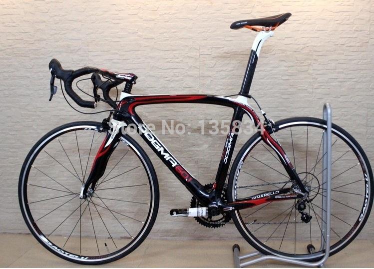 Light weight Only 9KG!! B135 Carbon Fiber Frame Road Bike Racing Carbon Bike Bicicleta 18 Speeds Carbon Fiber Complete Bike(China (Mainland))