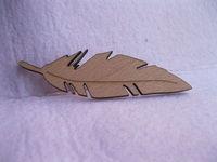 popular design leaf shape  wooden brooch pin