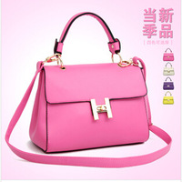 2014 new women leather handbags turn lock bag stereotypes H diagonal shoulder bag influx of women wholesale Hot explosion models