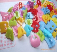 free shipping  Wholesale supply of colorful cartoon children's clothes button buttons ABC Alphabet wooden buttons sewing