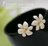 Korean new 2014 Fashion Metal Flower Earrings Gold Stud Earrings For Women Jewelry  Brincos Grandes Wholesale