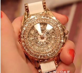 The new 2014 diamond valentine super luxury watches Imported full ceramic watches Female white diamond watch(China (Mainland))