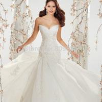 2014 Elegant Weding Gown Sweetheart Neckline Appliques Beaded Sleeveless Open Back Tulle Lace Chapel Train Design Bridal Dress