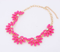 The new European and American fashion sugar flowers elegant necklace fashion necklaces for women 2014