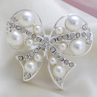 Fashion Cheap White Lovely Bowknot Rhinestone Pearl Women Wedding Brooch