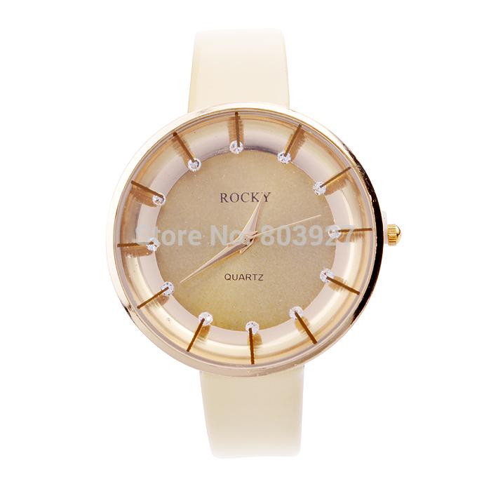 Classic Simple Style Rhinestone quartz watches Women Wristwatches PU Leather Strap Matching 6 Colors(China (Mainland))