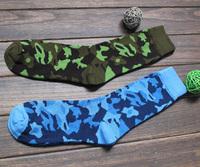 2014 fashion retro cool camouflage socks absorbent breathable camping outside nursing calf tube socks men socks Free shipping