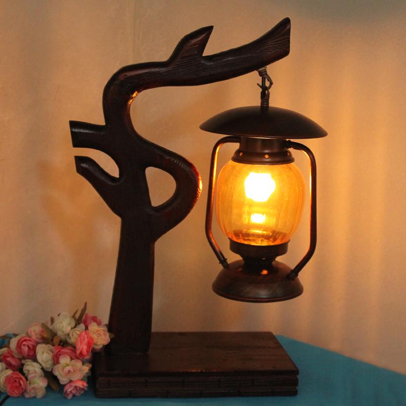 древесины настольная лампа