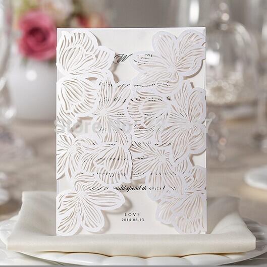 de casamento branco convites de corte a laser oco laço de casamento impressão cartões 130*180mm envelope+seal+cards favores do casamento(China (Mainland))