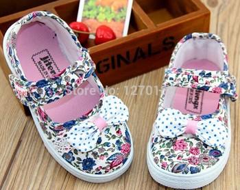 2014 новый дышащий легкие парусиновые туфли удобную обувь квадратных рот цветочные холст обувь для девочек