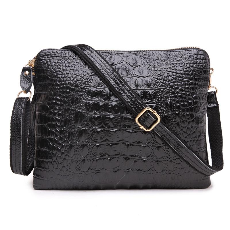 2014 new female holding a crocodile print cowhide leather handbag shoulder messenger ba