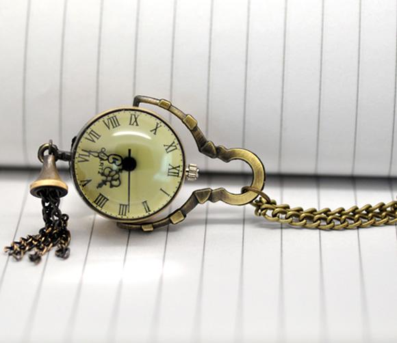 "2014 New Bronze Tone Necklace Chain Quartz Pocket Watch 88cm(34-5/8"") Free Shipping(China (Mainland))"
