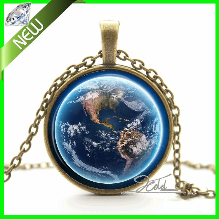 1Pcs Blue Universe Earth Pendant Necklace Lunar Nebula Galaxy Necklace Pendant Space Pendant Glass Dome Art Cabochon Necklaces(China (Mainland))