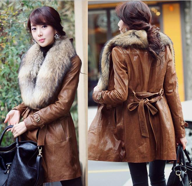 Livraison gratuite 2014 nouvelles femmes longue veste en cuir véritable avec col fourrure de raton laveur manteau de cuir ladys slim fit, tailles plus: s- xxxl