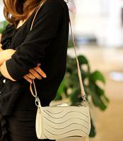 New 2014 Wavy  messenger bags women fashion shoulder vintage crossbody handbag lady small clutch purse female Casual candy bags