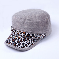 Autumn new Korean fashion leopard fur hat cap baseball cap wholesale lady holding rabbit