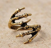 Punk rock eagle claw ring ring   10pcs/lot