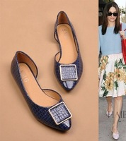 The new discount fashion crocodile side empty metal buckle pointed flat shoes