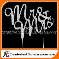 Free shipping +  Sparkles Crystal Rhinestone Bling Wedding Monogram Mr & Mrs Cake topper  Wedding Keepsake +50pcs