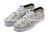 Free shipping 2014 new arrival canvas shoes men and woman dots Pirate Skull low-top canvas running shoes