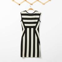 FREE SHIPPING Fashion New Women Monochrome Black White Striped Celebrity Optical Illusion Party Bodycon Mini Dress HOT SELLING