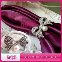 2014 fashion pearl clear rhinestone napkin ring for wedding table decor,free shipping,new design rhinestone napkin ring