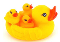 Hot Sale  Squeaky  Baby Bath Toys 4pcs Cute1 Mother Duck & 3 Duckling Sounding Swimming Duck   Children as Gifts   Toys For Kids