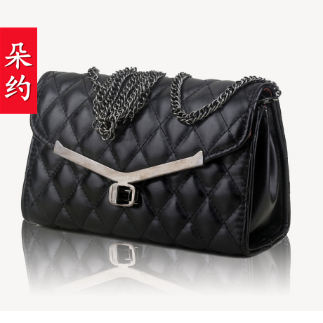 The appendtiff check metal chain square messenger bag one shoulder all-match small bags women's handbag(China (Mainland))